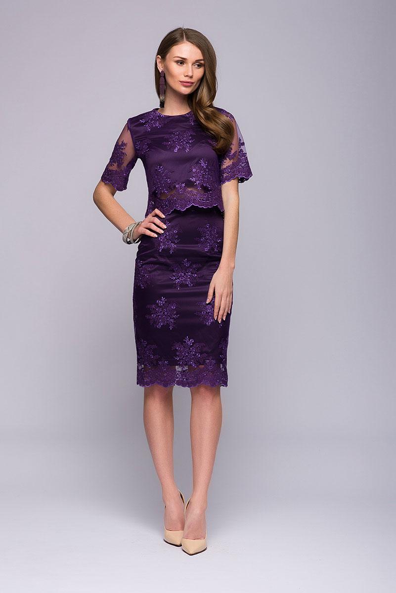 DM00566Потрясающий комплект 1001 Dress, который состоит из кроп-топа и юбки-карандаш. Отделка выполнена из качественного кружева. Оригинально и красиво. В таком вы точно будете самой привлекательной женщиной на любом торжестве.