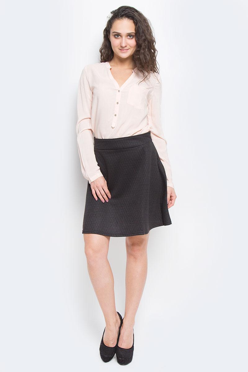 10151790 661Оригинальная юбка Broadway выполнена из высококачественного полиэстера, она обеспечит вам комфорт и удобство при носке. Очаровательная юбка с застегивается на застежку-молнию сзади, имеет широкий пришивной пояс. Модель оформлена стеганым узором. Стильная юбка-миди выгодно освежит и разнообразит любой гардероб. Создайте женственный образ и подчеркните свою яркую индивидуальность! Классический фасон и оригинальное оформление этой юбки сделают ваш образ непревзойденным.