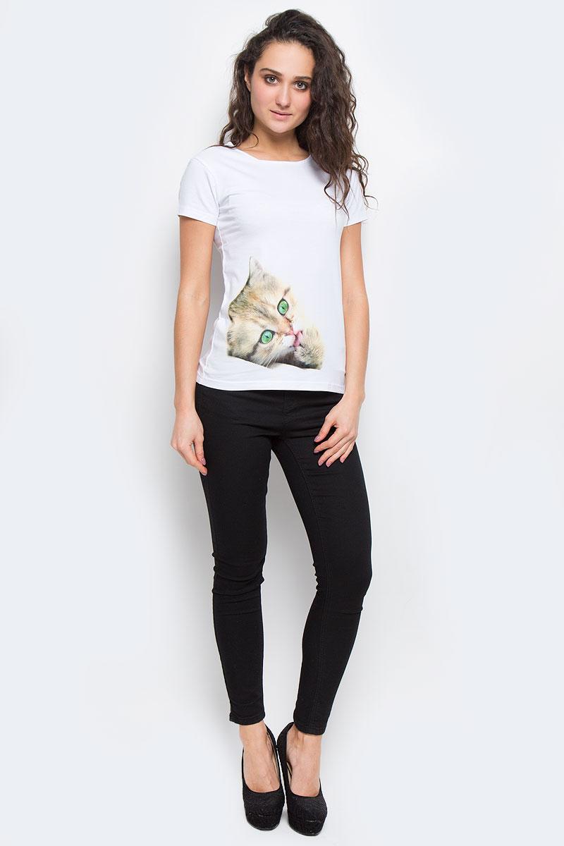 02173_КотенокЖенская футболка Todomoda Котенок, изготовленная из хлопка с добавлением лайкры, тактильно приятная и не сковывает движений. Модель с круглым вырезом горловины и короткими рукавами оформлена спереди изображением котенка. Прекрасный подарок для себя и для подруги.