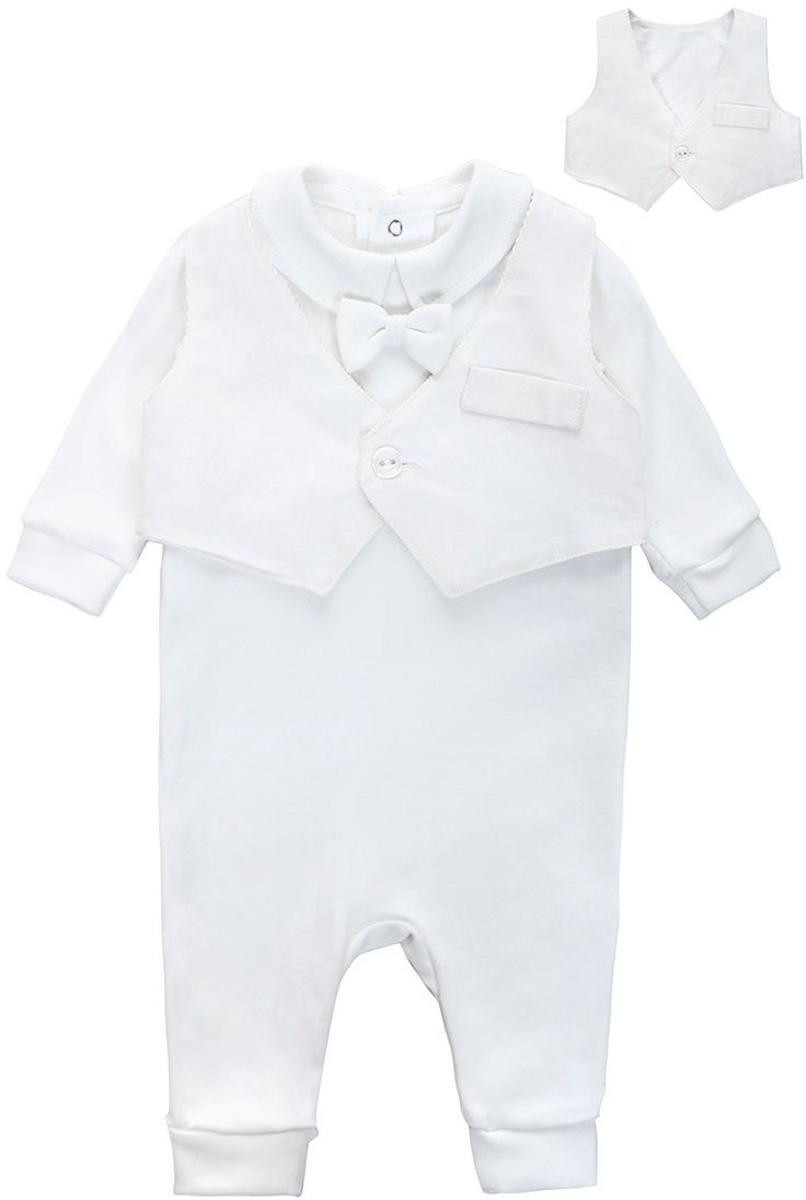 Комплект одеждыКП120-17Комплект для мальчика БЕМБІ, выполненный из натурального хлопка, состоит из жилетки и комбинезона. Жилетка с V-образным вырезом горловины застегивается на пуговицу спереди. > Комбинезон с отложным воротником, длинными рукавами и открытыми ножками имеет застежки-кнопки сзади по спинке, которые помогают легко переодеть малыша или сменить подгузник. Рукава и низ брючин дополнены широкими трикотажными манжетами, не пережимающими ручки и ножки ребенка.