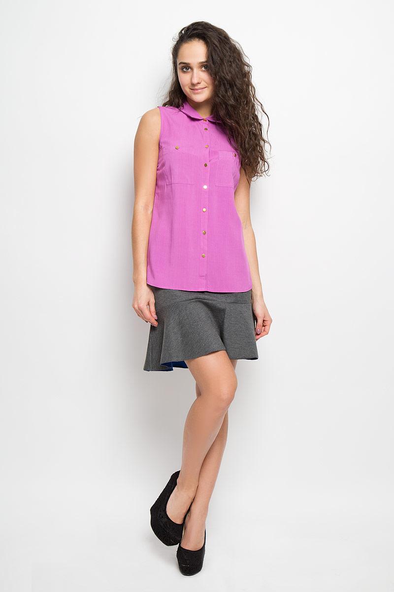 Bsl-112/438-5275Стильная женская блуза Sela, выполненная из высококачественного материала, обладает высокой теплопроводностью, воздухопроницаемостью и гигроскопичностью, позволяет коже дышать, тем самым обеспечивая наибольший комфорт при носке. Модная блузка без рукавов свободного покроя с отложным воротником поможет вам создать неповторимый образ в стиле Casual. Однотонная блуза великолепно сочетается с любыми нарядами. Модель дополнена двумя накладными карманами и застегивается на пуговицы. Такая блузка будет дарить вам комфорт в течение всего дня и послужит замечательным дополнением к вашему гардеробу.