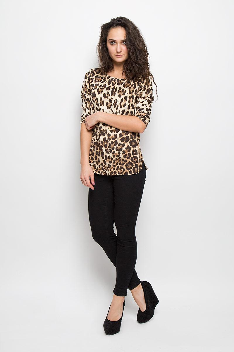 БлузкаB175510Стильная женская блуза Baon, выполненная из высококачественного материала, подчеркнет ваш уникальный стиль и поможет создать оригинальный женственный образ. Блузка прямого кроя с рукавами 3/4 и круглым вырезом горловины оформлена оригинальным принтом в виде пятен леопарда. Блузка застегивается на пуговицу сзади, манжеты рукавов также застегиваются на пуговицы. Легкая блуза идеально подойдет для жарких летних дней. Такая блузка будет дарить вам комфорт в течение всего дня и послужит замечательным дополнением к вашему гардеробу.
