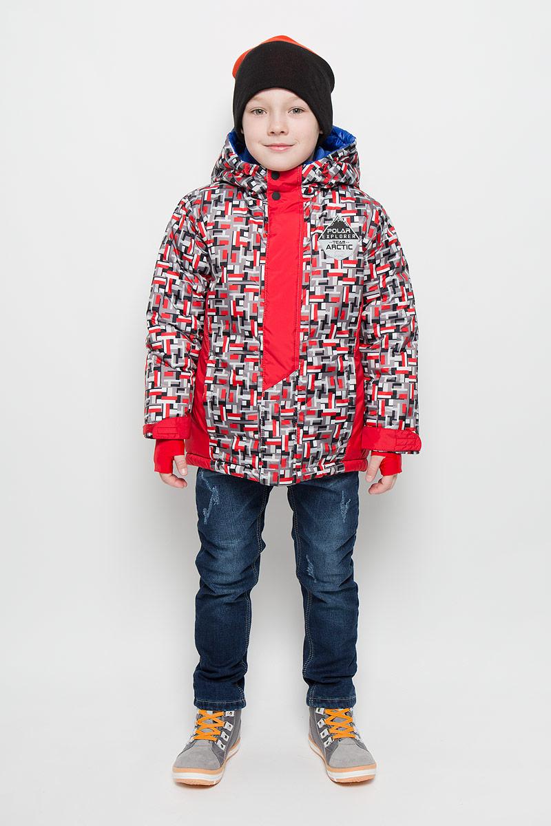 64367_BOB_вар.1Модная куртка Boom! согреет вашего мальчика в холодное время года. Куртка изготовлена из 100% полиэстера с мягкой флисовой подкладкой. В качестве наполнителя используется инновационный утеплитель Flexy Fiber, который надежно сохраняет тепло, обеспечивает циркуляцию воздуха и не задерживает влагу. Куртка с несъемным капюшоном застегивается на застежку-молнию и дополнительно на ветрозащитный клапан с кнопками и липучками. Капюшон оснащен эластичным шнурком со стопперами. Изделие дополнено спереди двумя прорезными карманами. Манжеты рукавов оснащены фиксирующими хлястиками на липучках, с внутренней стороны - эластичными напульсниками с отверстиями для пальцев, которые защитят от проникновения ветра и снега. Нижняя часть изделия с внутренней стороны дополнена эластичным шнурком со стопперами.