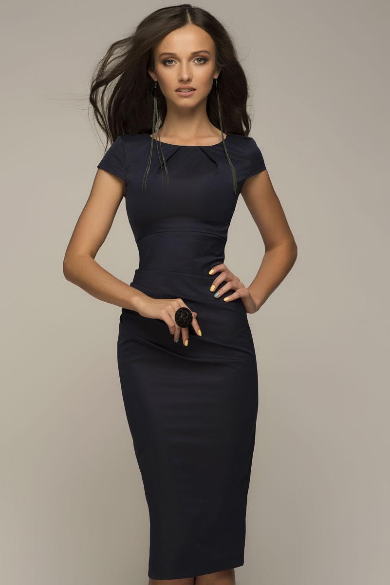 ПлатьеDM00204Платье-футляр 1001 Dress с драпировкой на талии. Платье очень красиво садится по фигуре, подчеркивая все достоинства силуэта. Подходит для офиса, деловых встреч и переговоров.