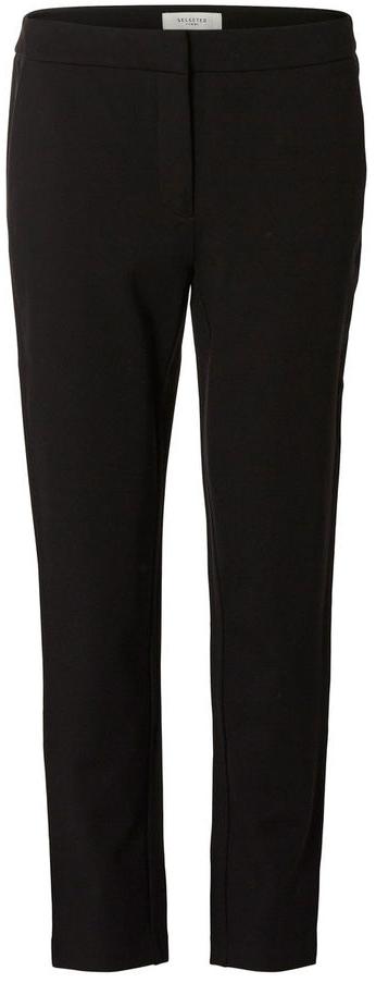16054957_BlackСтильные женские брюки Selected Femme стандартной посадки и зауженного к низу кроя выполнены из вискозы с добавлением нейлона и эластана, что обеспечивает комфорт и удобство при носке. Брюки застегиваются на пуговицу, крючки в поясе и ширинку на застежке-молнии, на поясе имеются шлевки для ремня. Модель дополнена двумя втачными карманами спереди и одним прорезным карманом-обманкой сзади.