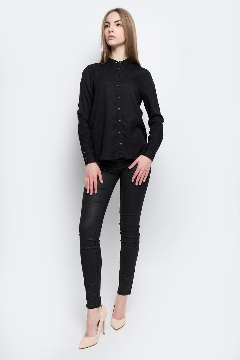 РубашкаW5188BD01Симпатичная женская рубашка Wrangler, изготовлена из высококачественного материала. Модная рубашка с длинными рукавами и отложным воротником, полукруглым низом, застегивается на пуговицы.