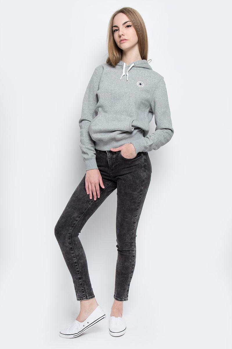 ДжинсыW27HLX93AСтильные женские джинсы Wrangler выполнены из хлопка с добавлением полиэстера и эластана. Материал мягкий и приятный на ощупь, не сковывает движения и позволяет коже дышать. Джинсы-скинни высокой посадки застегиваются на пуговицу в поясе и ширинку на застежке-молнии. На поясе предусмотрены шлевки для ремня. Спереди модель оформлена двумя втачными карманами и одним маленьким накладным кармашком, а сзади - двумя накладными карманами. Модель оформлена эффектом вареного денима.