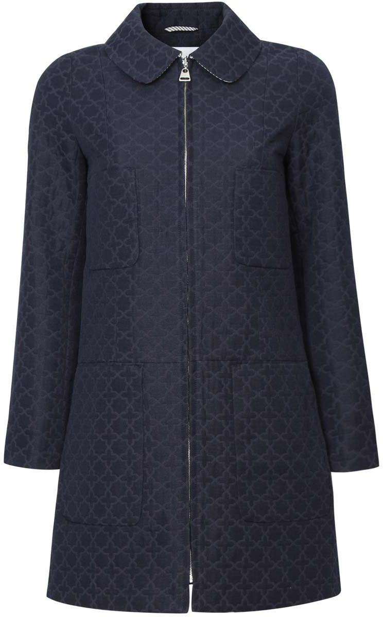 Пальто10103018/45347/7900NСтильное женское пальто oodji Ultra, выполненное из хлопка и полиэстера, отлично подойдет для прохладной погоды. Подкладка изготовлена из гладкой ткани в полоску. Модель с длинными рукавами и отложным закругленным воротником застегивается по всей длине на застежку-молнию. Спереди расположены четыре накладных кармана. Модель дополнена оригинальным принтом.
