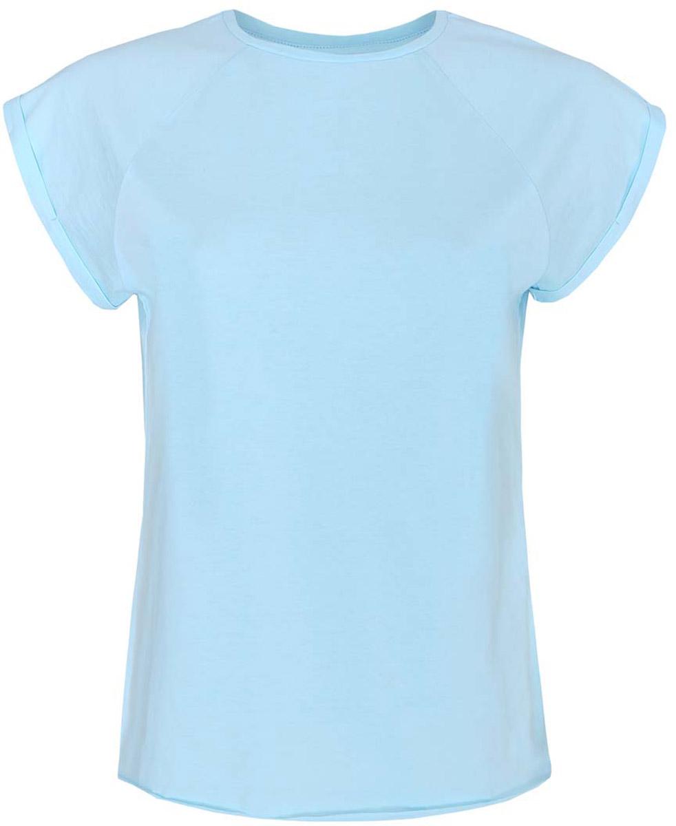 14707001-4B/46154/1000NЖенская футболка oodji Ultra выполнена полностью из хлопка. Модель с круглым вырезом горловины и короткими рукавами-реглан. Рукава оформлены декоративными отворотами. Края изделия не обработаны швом.