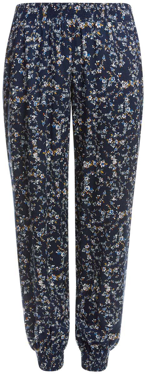 11700208-2M/45470/2919FСтильные женские брюки oodji выполнены из 100% вискозы, на талии широкая эластичная резинка. Модель свободного кроя со средней посадкой, низ брючин дополнен резинками. Спереди изделие дополнено двумя втачными карманами.