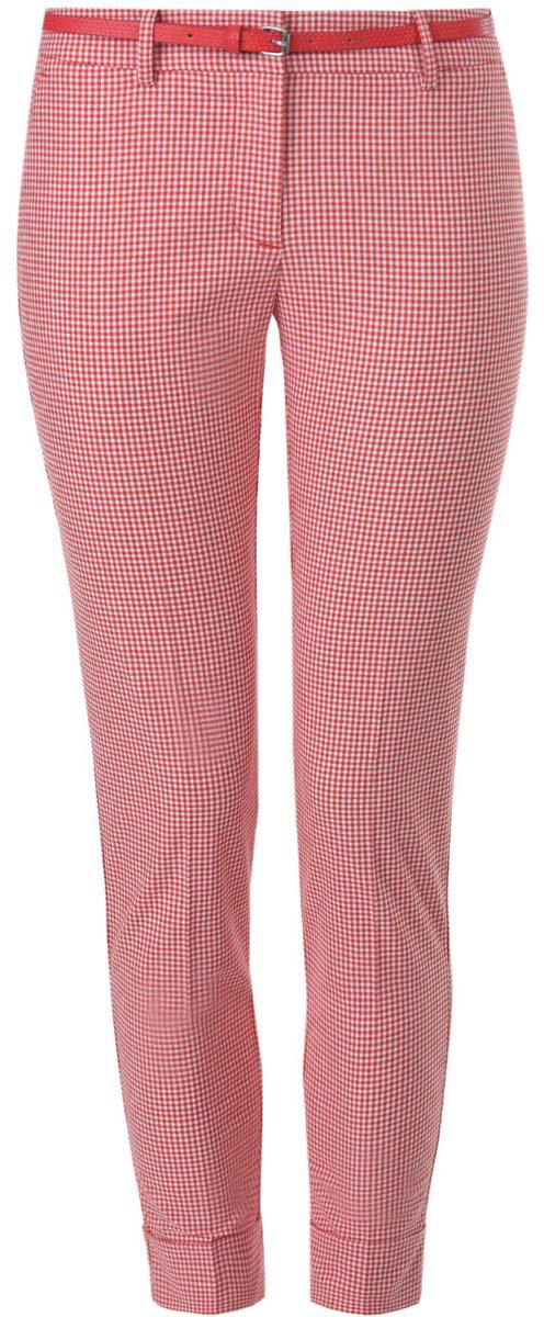 11703057-8/43273/1229CСтильные женские брюки oodji выполнены из хлопка, полиэстера с добавлением эластана. Модель со стандартной посадкой оформлена сзади декоративными вшитыми карманами. Спереди брюки имеют гульфик на молнии и застегиваются на пуговицу и застежку-крючок. Также модель оснащена шлевками и тонким ремнем с декоративной перфорацией. Низ брюк оформлен декоративными подворотами.