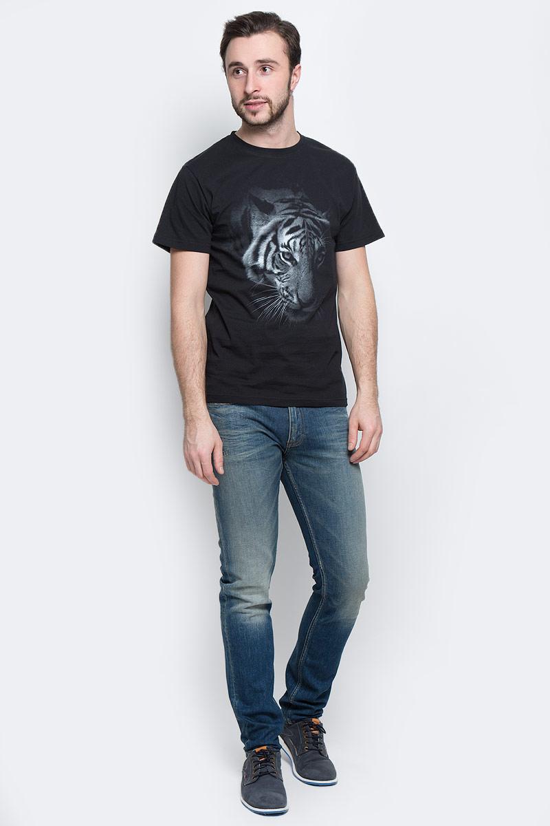 01186_АмурМужская футболка Todomoda Амур, изготовленная из натурального хлопка, очень мягкая, тактильно приятная и не сковывает движения. Изделие с круглым вырезом горловины и короткими рукавами оформлено спереди изображением тигра, сзади - оригинальным принтом. Вырез горловины дополнен трикотажной резинкой. Прекрасный подарок для себя и для друга.