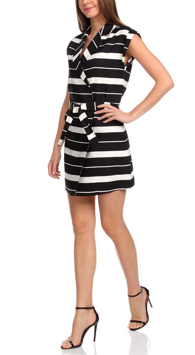 Платье11905030/45417/2912SСтильное платье oodji Ultra изготовлено из качественного комбинированного материала. Модель с воротником с лацканами и короткими цельнокроеными рукавами застегивается на пуговицы по всей длине. В поясе платье дополнено контрастным пояском. Оформлено изделие принтом в широкую полоску.