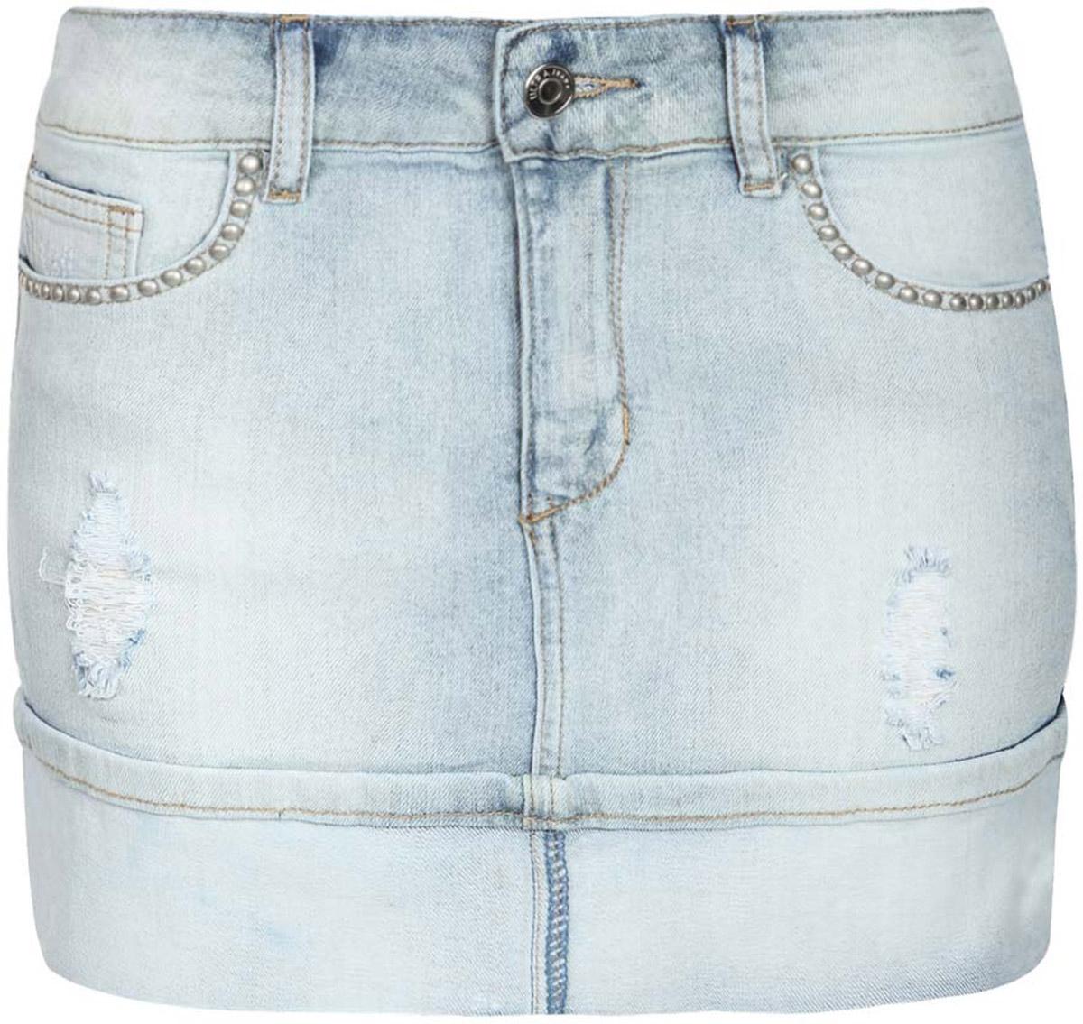 Юбка11510004/45369/7000WМодная джинсовая мини-юбка oodji Denim выполнена из хлопка с добавлением эластана. Юбка застегивается на пуговицу в поясе и ширинку на застежке-молнии, имеются шлевки для ремня. Спереди расположены два втачных кармана и один небольшой накладной кармашек, а сзади - два накладных кармана. Юбка декорирована эффектом потертости, правый карман с лицевой стороны дополнен декоративными клепками.
