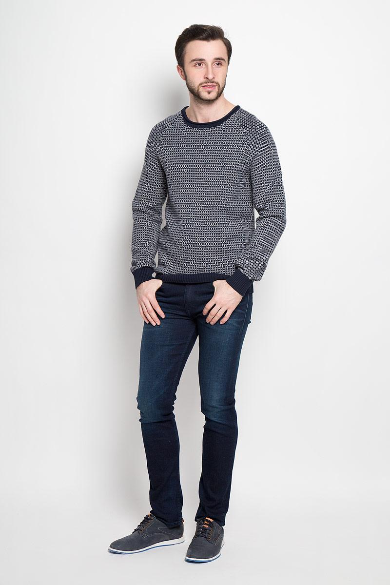 20100412_563Модный мужской пуловер Broadway Rowland выполнен из натурального хлопка с добавлением акрила. Модель с круглым вырезом горловины и рукавами-реглан идеально подойдет для создания современного образа в стиле Casual. Оформлен джемпер вязанным узором. Вырез горловины, манжеты рукавов и низ изделия дополнены трикотажными резинками.