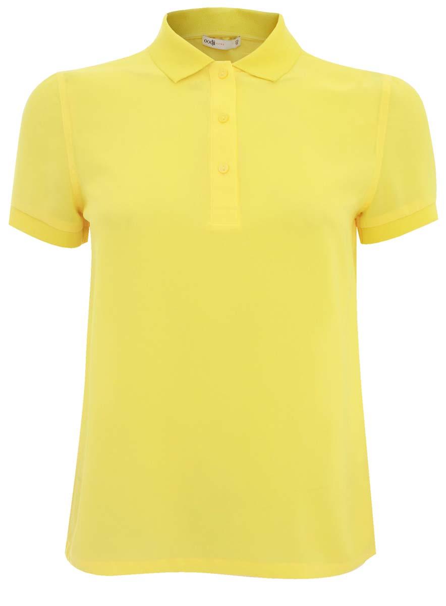 Поло11400383/35664/5100NЖенская блуза oodji Ultra с короткими рукавами и отложным воротником выполнена из высококачественного полиэстера. Блузка стилизовано под поло, имеет свободный крой и застегивается на пуговицы на груди. Манжеты рукавов дополнены трикотажными резинками.