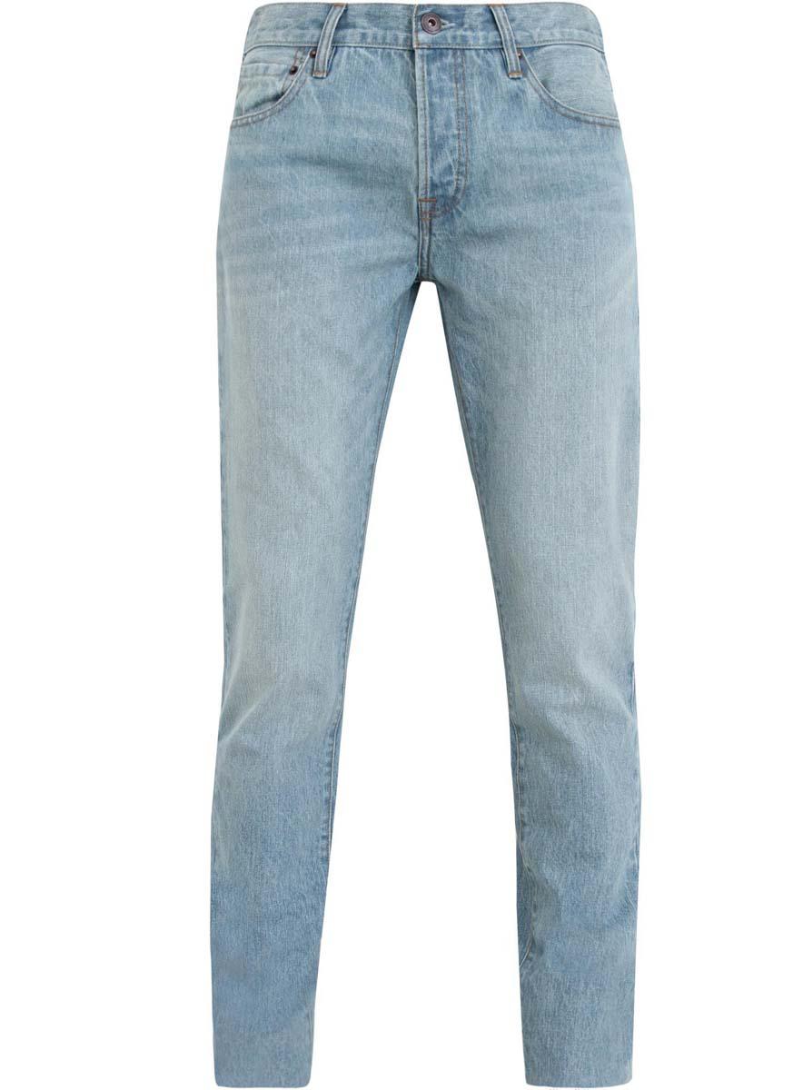 Джинсы6B130019M/44206N/7000WМодные мужские джинсы oodji выполнены из высококачественного 100% хлопка, что обеспечивает комфорт и удобство во время носки. Джинсы прямой модели имеют стандартную посадку. Застегиваются на пуговицу в поясе и ширинку с тремя пуговицами. Имеются шлевки для ремня. Спереди расположены два прорезных кармана и один небольшой накладной карман, а сзади - два накладных кармана.