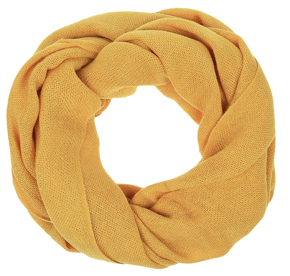 ШарфRodP1608/3RЖенский шарф Vita Pelle выполнен из высококачественной пряжи из вискозы с добавлением шерсти. Широкий шарф украшен бахромой в виде жгутиков по краю.