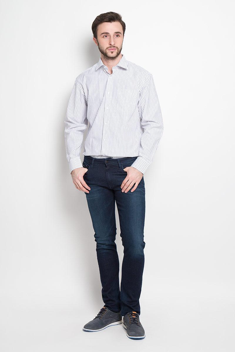 Dandy 244Мужская рубашка Imperator выполнена из хлопка с добавлением полиэстера. Рубашка прямого кроя с длинными рукавами и отложным воротником застегивается на пуговицы. Модель дополнена нагрудным кармашком. Манжеты рукавов оснащены застежками-пуговицами.