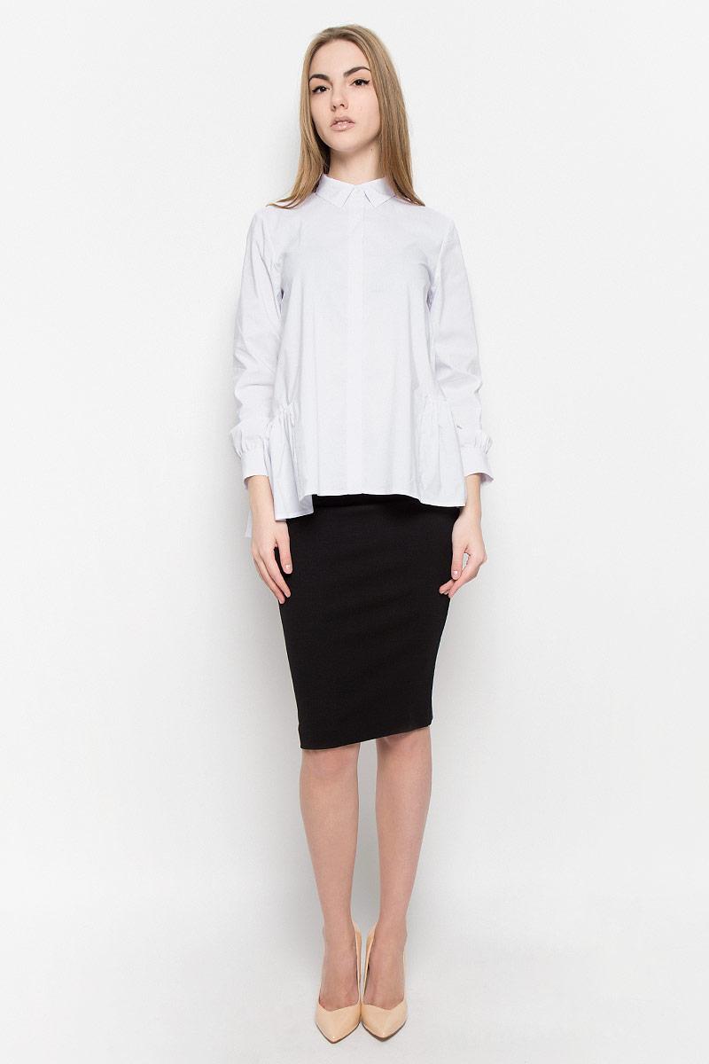 Блузка1201541Свободная блузка Ruxara изготовлена из эластичной хлопковой ткани. У модели аккуратный отложной воротник, длинные рукава на манжете, потайная застежка с пуговицами подчеркивают лаконичность кроя. Низ изделия дополнен баской в сборку.