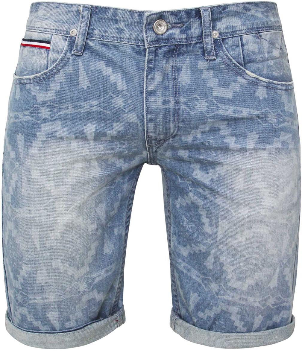 Шорты6L210012M/39725N/7000WСтильные джинсовые шорты oodji изготовлены из высококачественного материала (100% хлопка). Модель застегивается на пуговицу в поясе и ширинку на застежке-молнии, имеются шлевки для ремня. Спереди расположены два втачных кармана и один небольшой накладной кармашек, а сзади - два накладных кармана. Модель оформлена оригинальным принтом и эффектом потертости.