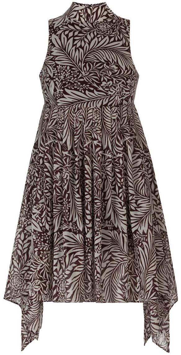 11900222/35271/1079FСтильное платье oodji Ultra выполнено полностью из полиэстера. Модель с ассиметричным подолом, воротником-стойкой и без рукавов застегивается на спине на молнию.