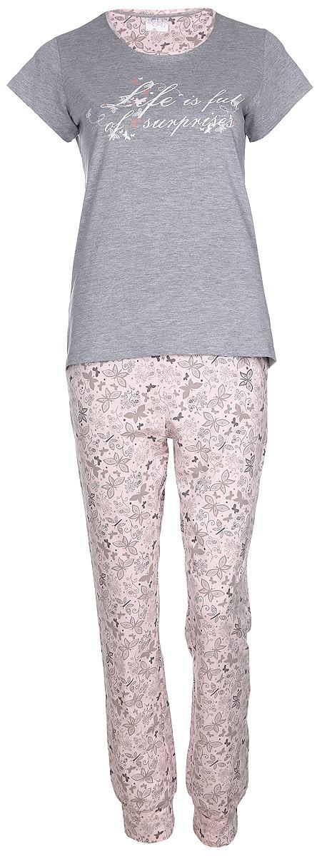 Домашний комплект17150309Женский домашний комплект Violett Life is Full включает в себя футболку и брюки. Комплект изготовлен из приятного на ощупь высококачественного натурального хлопка. Брюки дополнены широкой эластичной резинкой на поясе. Модель украшена принтом с изображением бабочек и цветов. Футболка с короткими рукавами и круглым вырезом горловины украшена надписью Life Is Full Of Surprises.