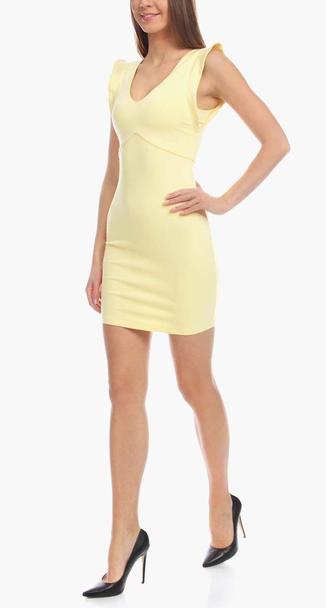 Платье14015004/45394/7000NПлатье oodji Ultra выполнено из мягкой эластичной облегающей ткани. Изделие имеет V-образный вырез горловины и рукава-крылышки. Застегивается на спинке на молнию. Платье плотно садится по фигуре.