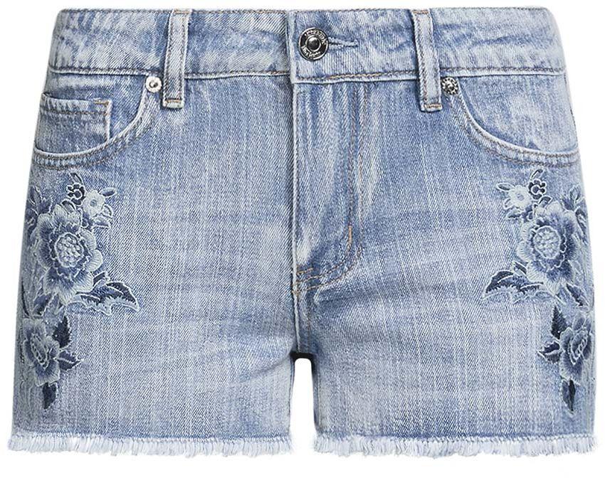12807077-1/46278/7000WСтильные женские шорты oodji Denim изготовлены из 100% хлопка. Шорты застегиваются на металлическую пуговицу в поясе и ширинку на застежке-молнии. На поясе предусмотрены шлевки для ремня. Спереди расположены два прорезных кармана и один накладной кармашек, сзади - два накладных кармана. Лицевая сторона шорт дополнена цветочной вышивкой.