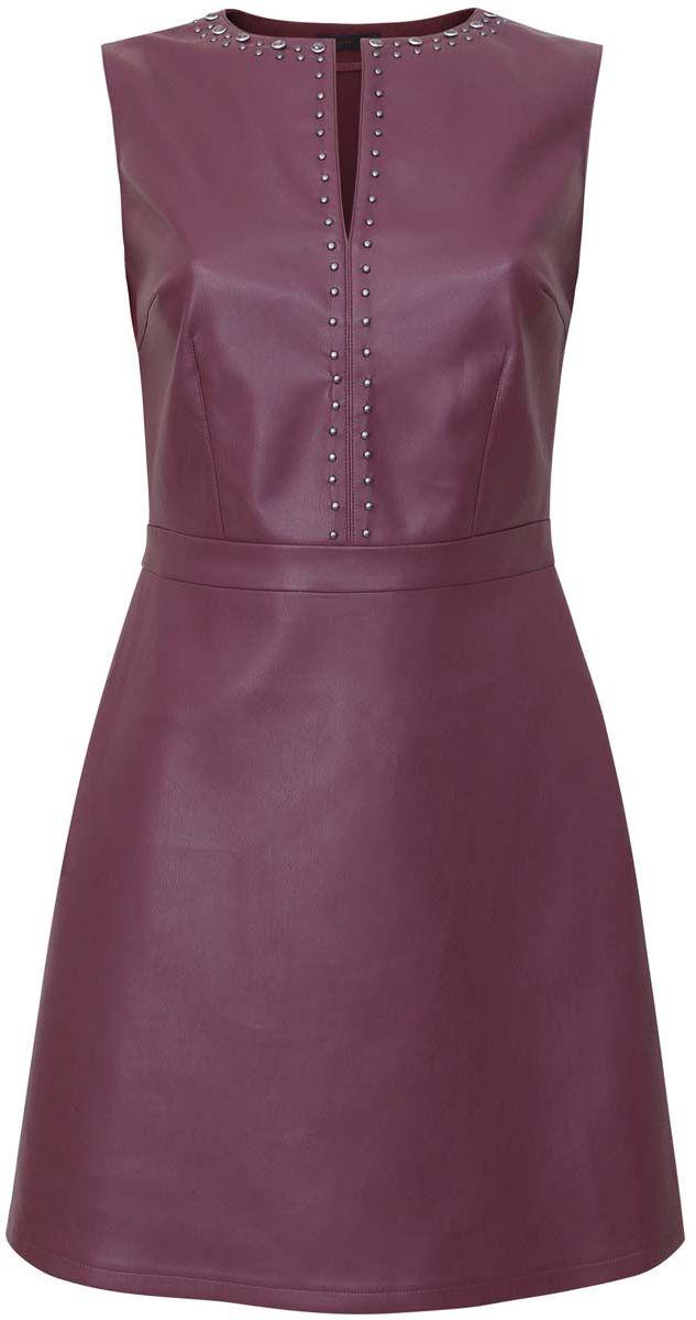 Платье11902150/42442/7400NПлатье oodji Ultra без рукавов исполнено из двух видов ткани. Первая ткань имитирует кожу, а вторая, на спинке, текстильная. Имеет декольтированный V-образным вырезом воротник, украшенный металлическими полусферами и крупными стразами. Застегивается сбоку на молнию, имеет приталенный силуэт