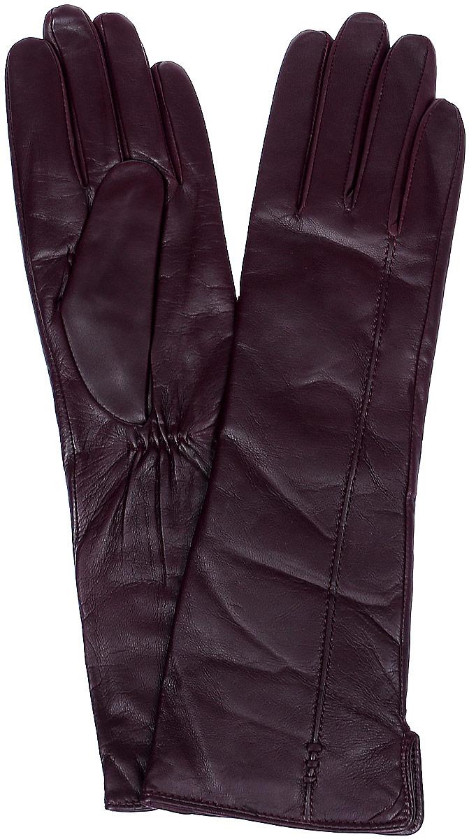 LB-0195Стильные женские перчатки Labbra выполнены из натуральной кожи и дополнены эластичными резинками, которые надежно зафиксируют модель на запястье. Удлиненная модель оформлена декоративной прострочкой. Внутренняя поверхность выполнена из шерсти и акрила, которые обеспечат тепло и комфорт.