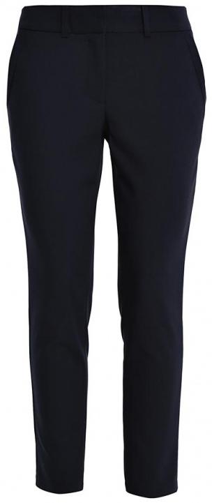 БрюкиP-115/797-7140Стильные женские брюки Sela Casual, выполненные из качественного комбинированного материала, очень мягкие, тактильно приятные, не сковывают движения и хорошо пропускают воздух. Модель прямого кроя со стандартной посадкой застегивается на пуговицу и крючки в поясе, также имеет ширинку на застежке-молнии. Спереди брюки дополнены двум втачными карманами, сзади - двумя прорезными-декоративными карманами. На поясе предусмотрены шлевки для ремня.