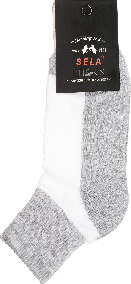 НоскиSOb-7854/016-7100Удобные детские носки Sela, изготовленные из высококачественного комбинированного материала. Благодаря содержанию мягкого хлопка в составе, кожа сможет дышать, а эластан позволяет носочкам легко тянуться, что делает их комфортными в носке. Эластичная резинка плотно облегает ногу, не сдавливая ее, обеспечивая комфорт и удобство. Уважаемые клиенты! Размер, доступный для заказа, является длиной стопы.