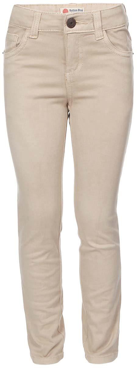 Брюки216BBGC63011500Стильные брюки для девочки Button Blue выполнены из натурального хлопка с добавлением эластана. Модель на талии застегивается на металлическую пуговицу и имеет ширинку на застежке-молнии, а также шлевки для ремня. С внутренней стороны пояс регулируется скрытой резинкой на пуговицах. Брюки имеют классический пятикарманный крой: спереди два втачных кармана и один накладной кармашек, а сзади - два накладных кармана. Оформлено изделие декоративными металлическими клепками.