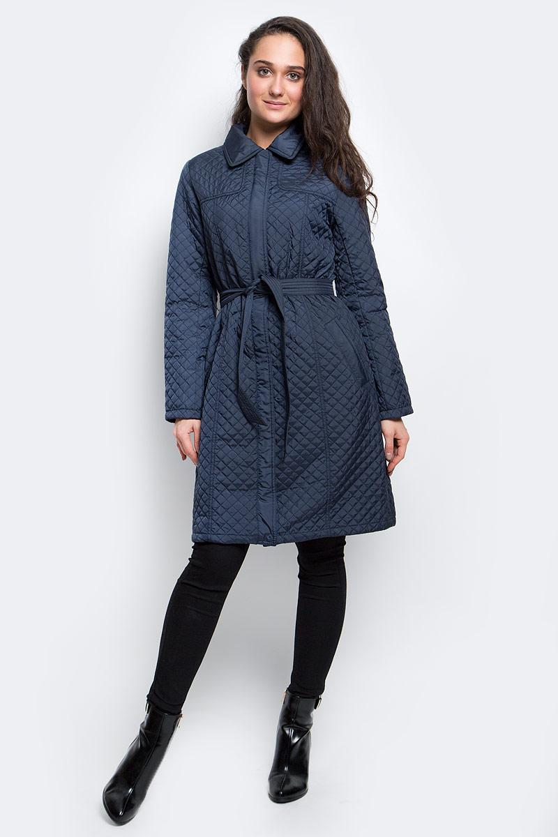 ПальтоCep-126/740-7111Удобное и теплое женское пальто Sela Casual выполнено из 100% полиэстера. Модель с длинными рукавами и отложным воротником застегивается на молнию спереди и имеет ветрозащитный клапан на кнопках. Изделие дополнено двумя втачными карманами на застежках-кнопках. Наполнитель из синтепона и подкладка из полиэстера надежно сохранят тепло. Также модель дополнена съемным поясом и шлевками.