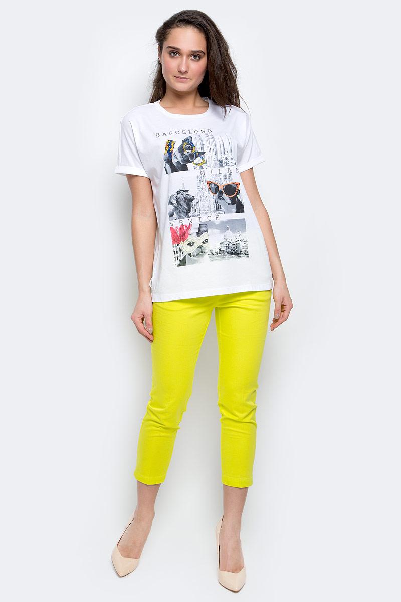 Ts-111/1235-7191Женская футболка Sela Casual выполнена из хлопка с добавлением полиэстера. Футболка с круглым вырезом горловины и короткими рукавами оформлена интересным принтом и надписями.