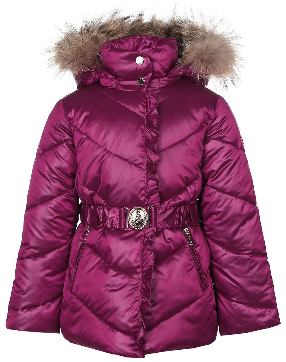 КурткаPUFWG-616-20121-424Стильная куртка для девочки Pulka изготовлена из качественного полиэстера с добавлением нейлона. В качестве наполнителя применяются микроволокна полиэстера. Спереди модель застегивается на молнию с ветрозащитной планкой на кнопках. С внутренней стороны изготовлена уютная флисовая подкладка, а рукава выполнены на подкладке из полиэстера. Капюшон пристегивается к курточке с помощью застежки-молнии и декорирован натуральным мехом енота. Рукава изделия дополнены эластичными внутренними резиночками. Спереди модель оформлена двумя втачными карманами на молнии. На талии имеется стильный поясок на эластичной резинке с металлической бляшкой.