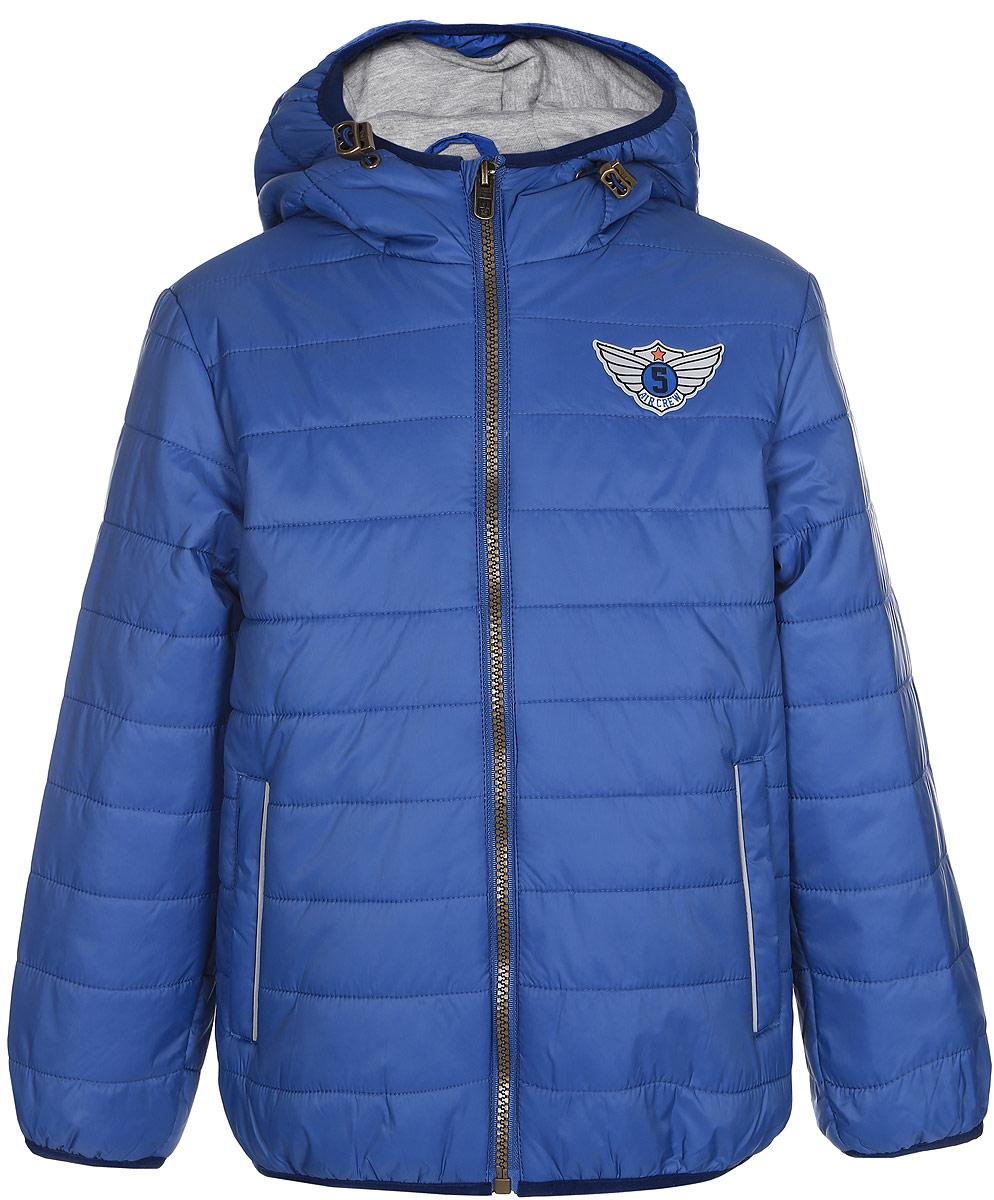 КурткаCp-726/260-7121Куртка для мальчика Sela идеально подойдет на прохладное время года. Модель изготовлена из 100% нейлона. Основная подкладка выполнена из хлопка и полиэстера, а подкладка рукавов из 100% полиэстера. Утеплитель из тонкого слоя полиэстера. Куртка с несъемным капюшоном застегивается на застежку-молнию. Капюшон дополнен эластичным шнурком со стопперами. Изделие дополнено спереди двумя прорезными карманами на застежках-кнопках. С внутренней стороны - небольшим накладным карманом. Низ изделия и низ рукавов с внутренней стороны присборены на тонкие эластичные резинки. Куртка оснащена светоотражающими элементами.