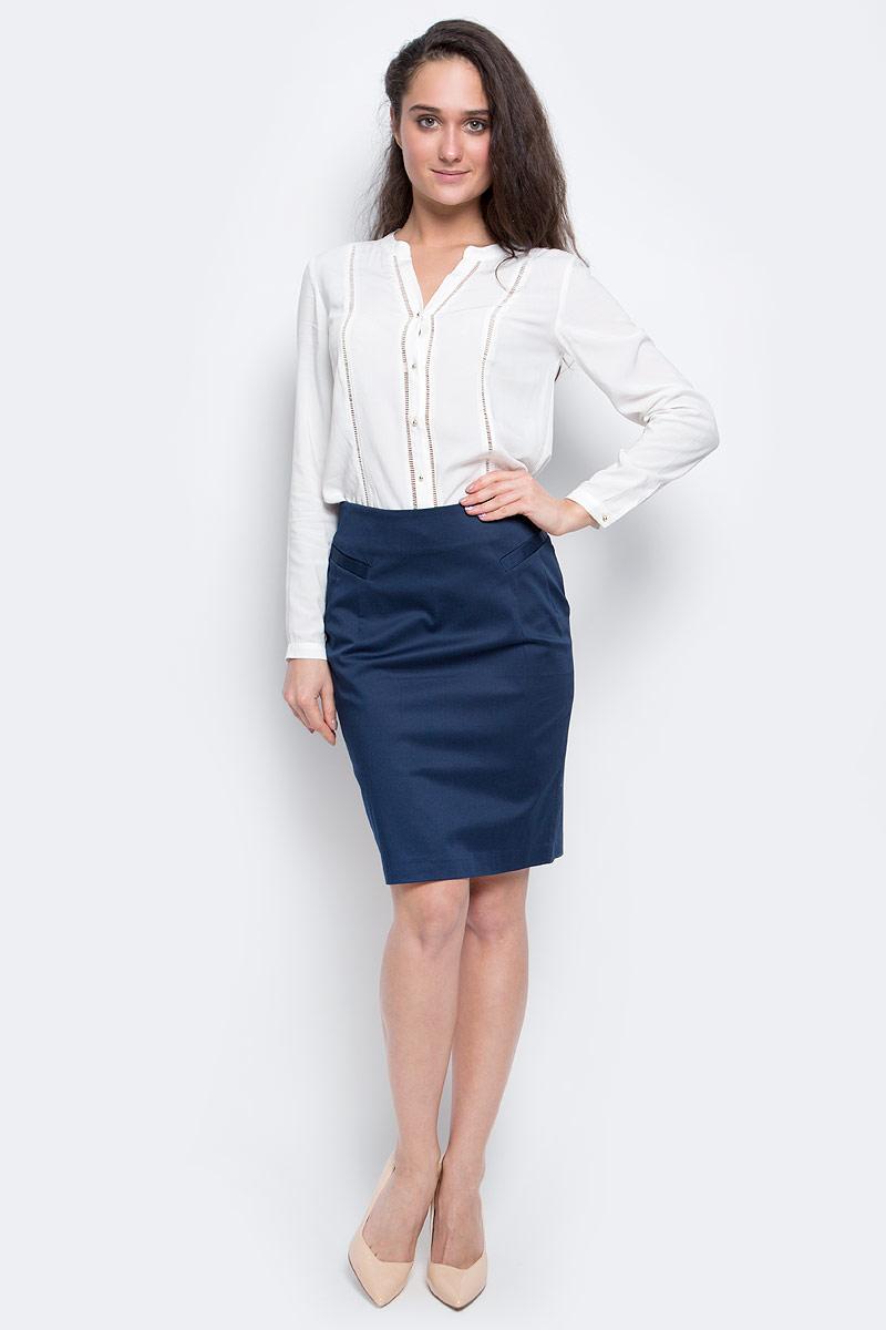 ЮбкаSK-118/058-7101Стильная женская юбка длины миди выполнена из эластичного хлопка. Модель застегивается сзади на потайную застежку-молнию, спереди дополнена двумя втачными карманами.