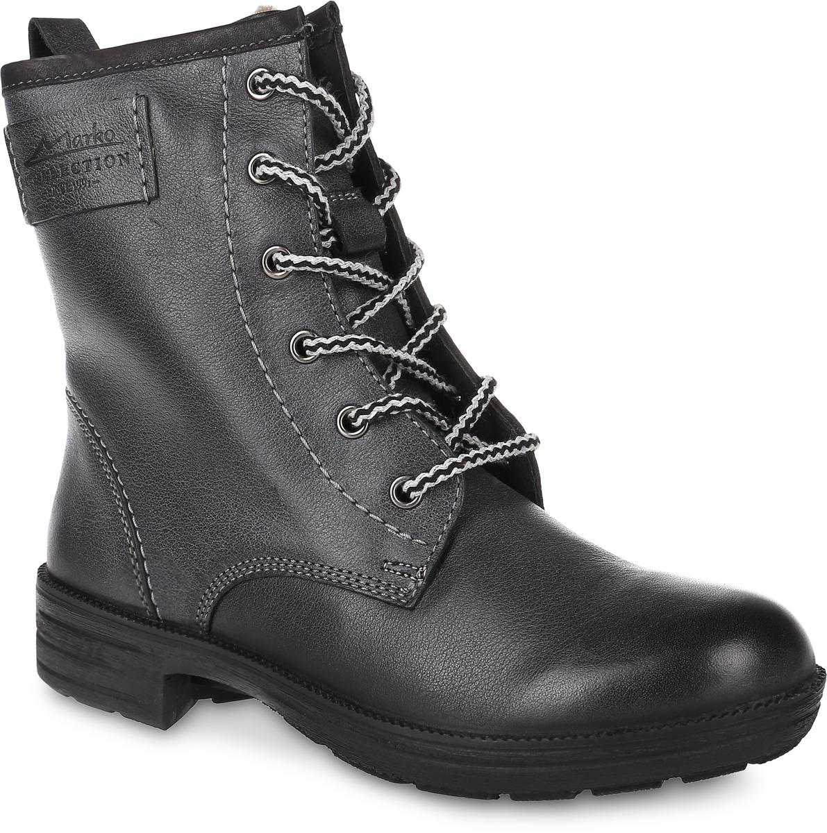 6688Модные ботинки Free Style от San Marko заинтересуют вашу девочку с первого взгляда! Модель выполнена из натуральной кожи. Шнуровка надежно зафиксирует модель на ноге. Боковая застежка-молния позволяет легко снимать и надевать модель. Подкладка и стелька из шерстяного меха не дадут ногам замерзнуть. Подошва и невысокий каблук дополнены рифлением.