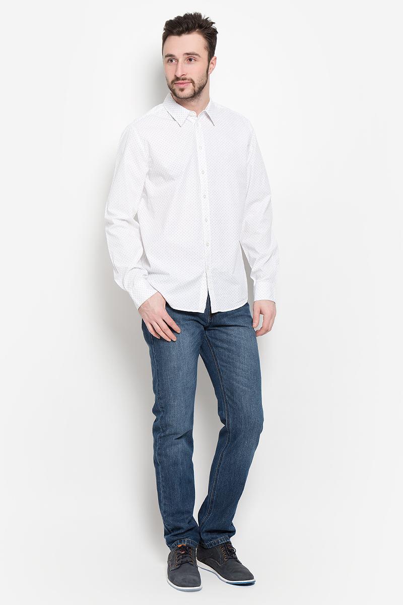 РубашкаH-212/745-7121Мужская рубашка Sela выполнена из натурального хлопка. Рубашка с длинными рукавами и отложным воротником застегивается на пуговицы спереди. Манжеты рукавов также застегиваются на пуговицы. Рубашка оформлена принтом в виде мелких листочков.