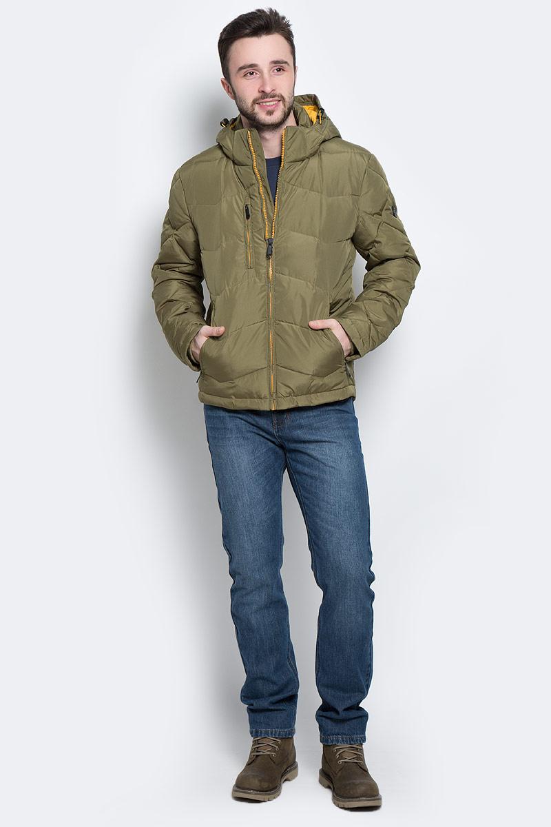 ПуховикW16-42002_901Стильный мужской пуховик Finn Flare изготовлен из высококачественного полиэстера. В качестве утеплителя используется пух и перо. Пуховик с воротником-стойкой и съемным капюшоном застегивается на застежку-молнию. Капюшон, дополненный регулирующим эластичным шнурком на стопперах, пристегивается к куртке с помощью кнопок и липучек. Спереди расположены четыре прорезных кармана на застежках-молниях, с внутренней стороны - прорезной карман на застежке- молнии и два накладных кармана на пуговице и липучке. Манжеты рукавов дополнены трикотажными напульсниками.