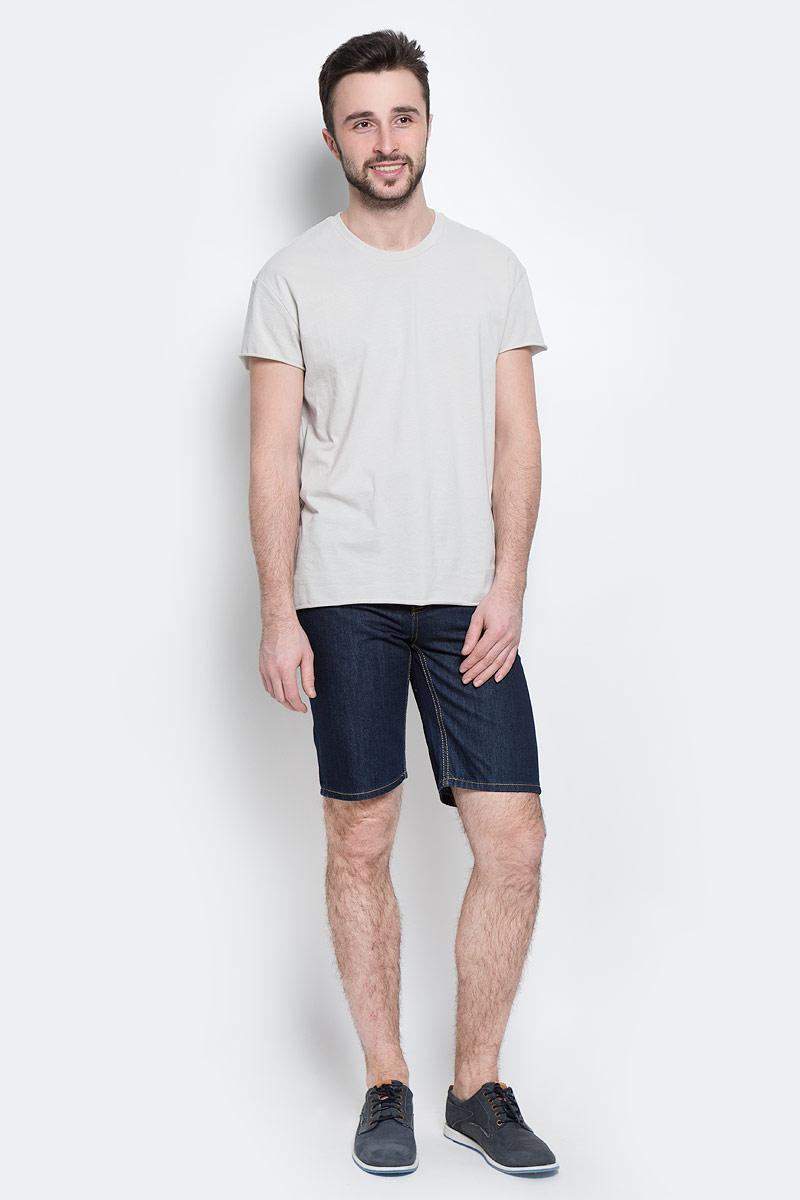 ШортыB825013 DARK NAVY DENIMСтильные мужские джинсовые бермуды Baon средней посадки изготовлены из высококачественного плотного материала. Они послужат отличным дополнением к вашему современному образу. Застегиваются шорты на металлическую пуговицу в поясе и ширинку на молнии, имеются шлевки для ремня. Спереди модель оформлена двумя втачными карманами и одним небольшим секретным кармашком, сзади - двумя накладными карманами. Изделие оформлено декоративной контрастной отстрочкой. Эти модные и в тоже время комфортные бермуды послужат отличным дополнением к вашему гардеробу. В них вы всегда будете чувствовать себя уютно и комфортно.