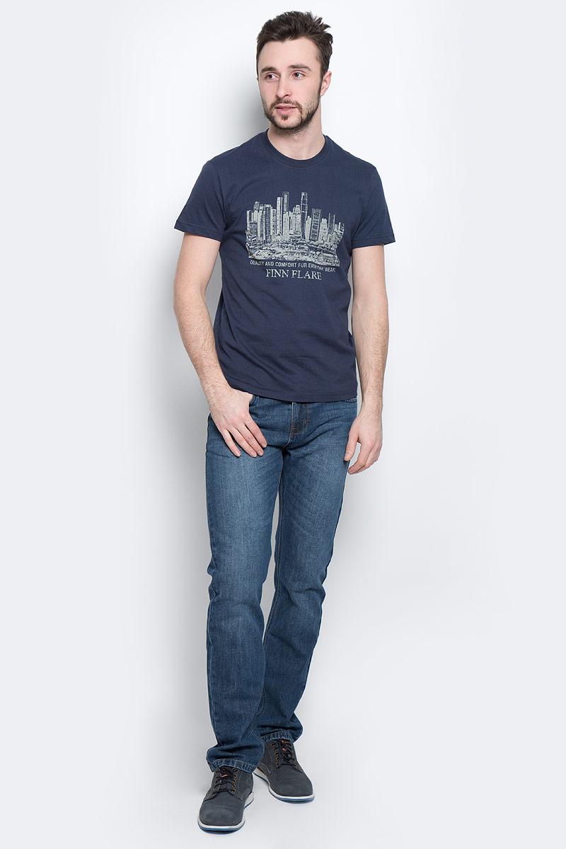 ФутболкаS16-21020_201Стильная мужская футболка Finn Flare, выполненная из высококачественного натурального хлопка, обладает высокой теплопроводностью, воздухопроницаемостью и гигроскопичностью, позволяет коже дышать и великолепно отводит влагу, оставляя тело сухим. Такая футболка превосходно подойдет для занятий спортом и активного отдыха. Модель с короткими рукавами и круглым вырезом горловины - идеальный вариант для создания образа в стиле Casual. Футболка декорирована оригинальным принтом и надписями на английском языке. Такая модель подарит вам комфорт в течение всего дня и послужит замечательным дополнением к вашему гардеробу.