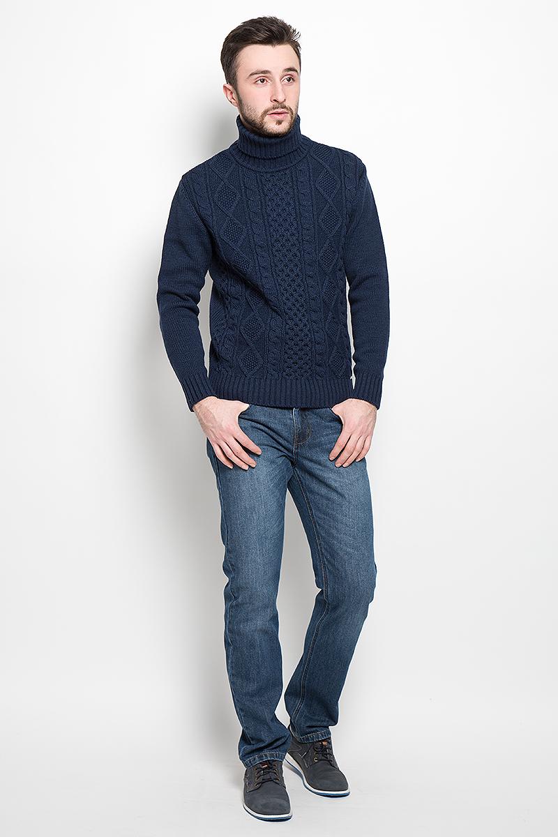 СвитерW16-42100_205Оригинальный мужской свитер Finn Flare, изготовлен из высококачественной пряжи из шерсти и акрила. Модель с воротником-гольфом и длинными рукавами великолепно подойдет для создания современного образа в стиле Casual. Горловина, манжеты рукавов и низ свитера связаны резинкой. Изделие оформлено оригинальным вязаным узором.