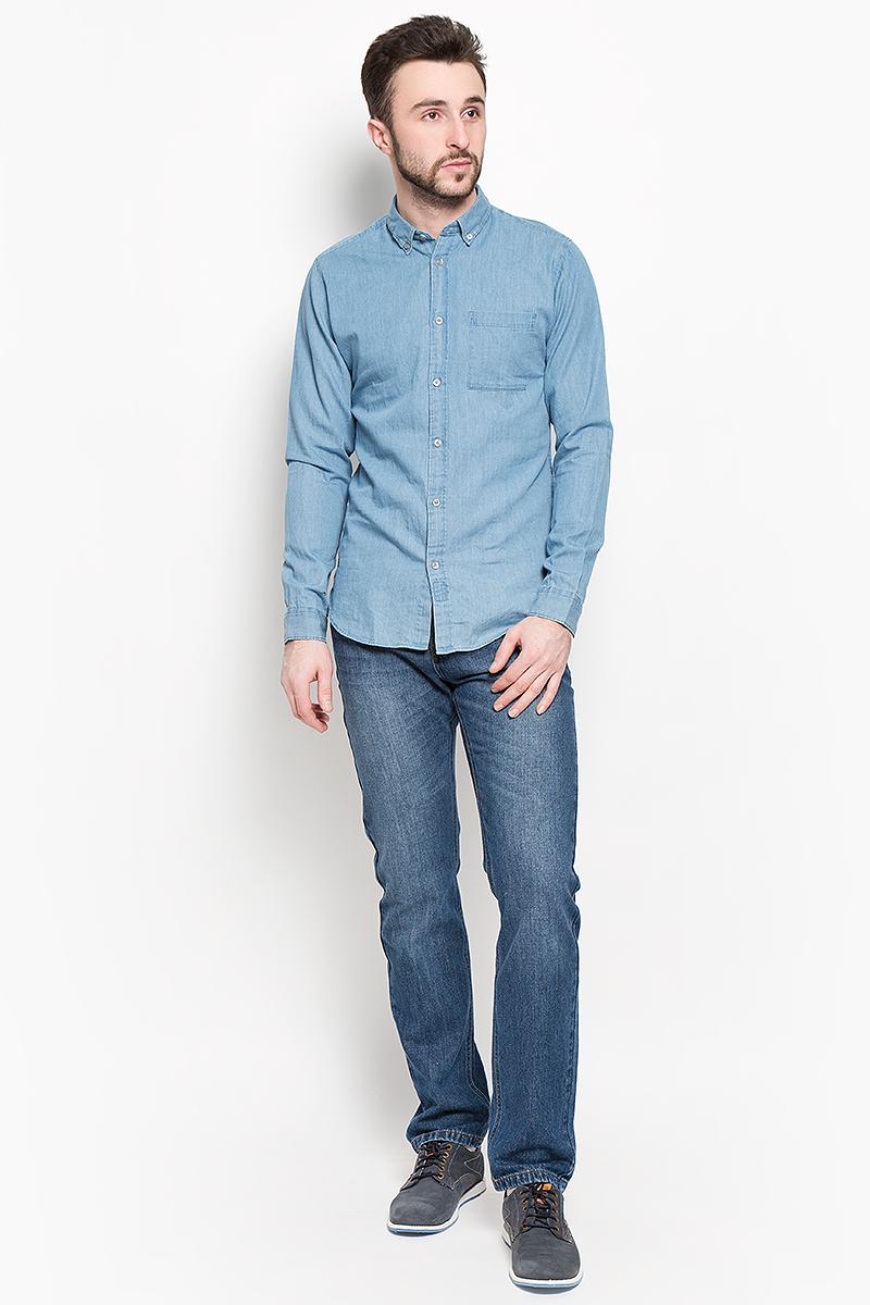 16048999_Evening BlueСтильная мужская рубашка Selected Homme изготовлена из высококачественного хлопка. Рубашка с отложным воротником и длинными рукавами застегивается на пуговицы по всей длине. На манжетах и воротнике предусмотрены застежки- пуговицы. Спереди расположен один накладной карман.