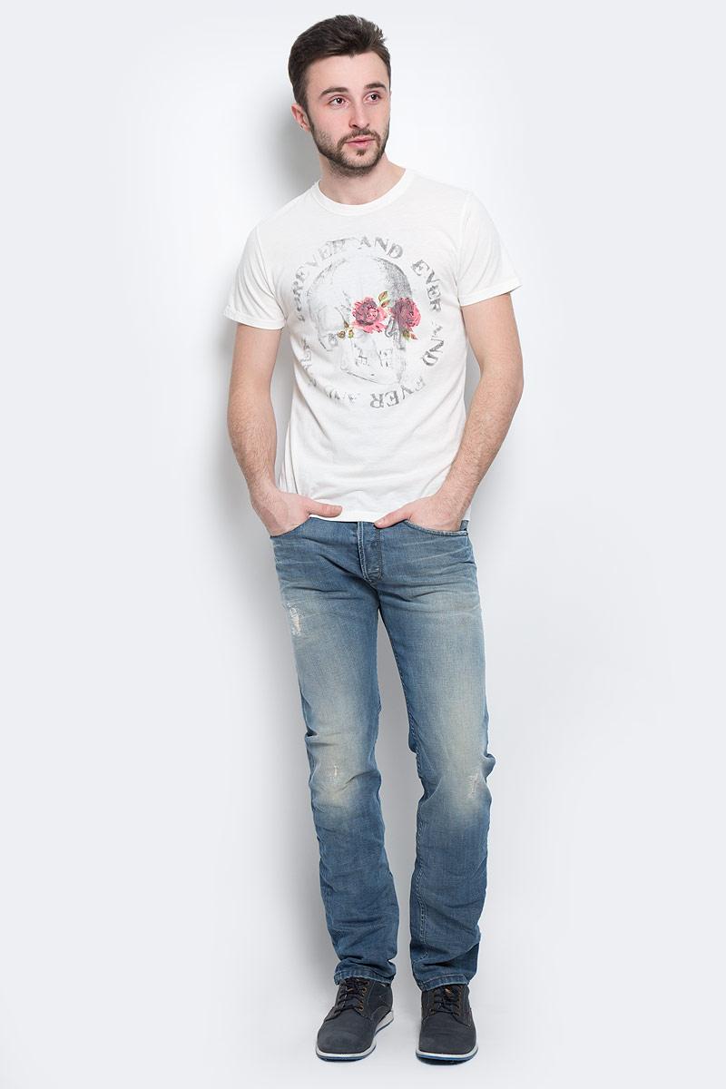 Футболка00SJUQ-0NAHQ/129Стильная мужская футболка Diesel - идеальное решение для повседневной носки. Эта практичная, приятная на ощупь модель, выполненная из мягкого хлопка с полиэстером, прекрасно пропускающей воздух, она позволит вам чувствовать себя уверенно и легко. Удобный крой обеспечивает свободу движений. Лицевая сторона футболки оформлена принтовым изображением черепа. Эта футболка - идеальный вариант для создания эффектного образа.