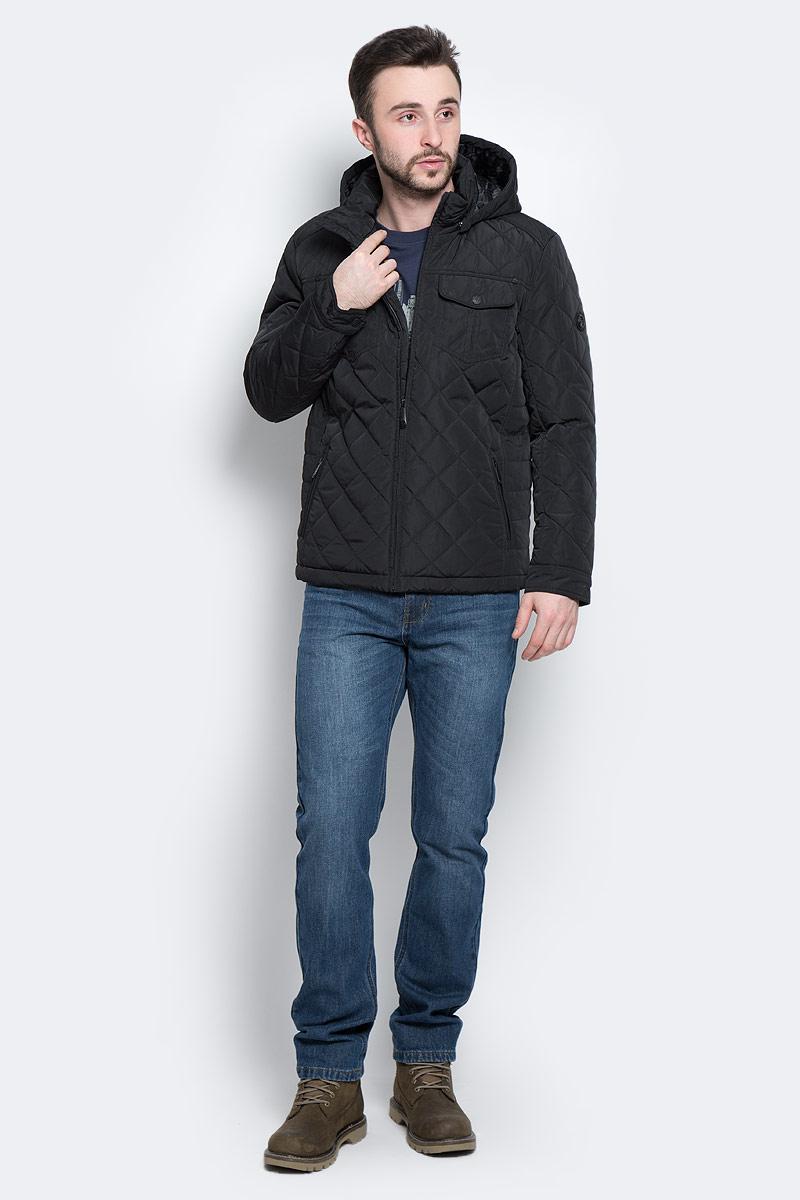 КурткаW16-21005_200Стильная мужская куртка Finn Flare превосходно подойдет для прохладных дней. Куртка выполнена из высококачественного материала с подкладкой и наполнителем из полиэстера. Модель классического прямого кроя с длинными рукавами и воротником-стойкой застегивается на молнию. Капюшон пристегивается на кнопки, имеет на макушке хлястик на липучке и дополнен утягивающей резинкой на стопперах. Спереди изделие дополнено двумя втачными карманами на молнии и двумя накладными карманами с клапанами на кнопках. На внутренней стороне куртка оформлена одним прорезным карманом на молнии и двумя втачными карманами на липучке и пуговице. Куртка оформлена стегаными узором.