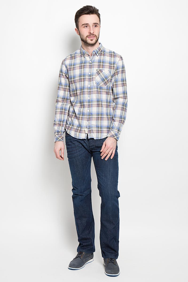 Рубашка2030948.00.12_4685Стильная мужская рубашка Tom Tailor Denim, выполненная из высококачественного хлопкового материала, приятная на ощупь, не сковывает движения, обеспечивая наибольший комфорт. Модель с отложным воротником и длинными рукавами застегивается на пластиковые пуговицы по всей длине. Манжеты изделия застегиваются на пуговицы. Модель с оригинальным клетчатым принтом спереди дополнена нашивным карманом. Эта модная и удобная рубашка послужит замечательным дополнением к вашему гардеробу.