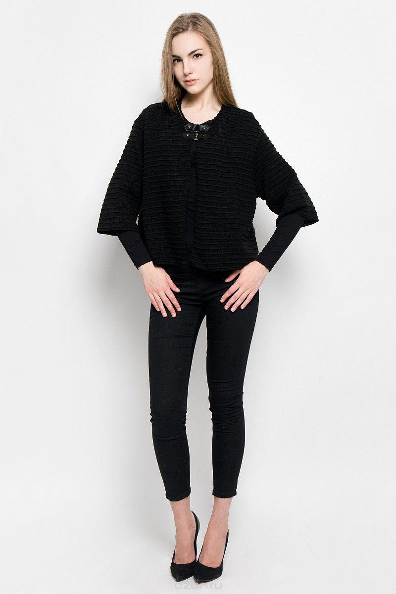 Жакет987Женский жакет Milana Style выполнен из шерсти с добавлением ПАН. Модель с рукавами 3/4 и круглым вырезом горловины застегивается на два хлястика с кнопками на груди. Изделие имеет оригинальный объемный вязаный узор в полоску.